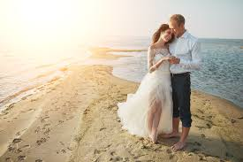 7 Things to Know for a Beach Wedding